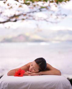 Kauai Spa- Beachside Massage I would love to have a Lomi Lomi massage here :)