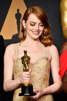 Emma Stone Photos Photos - Actress Emma Stone, winner of Best Actress for 'La La Land' poses in the press room during the 89th Annual Academy Awards at Hollywood & Highland Center on February 26, 2017 in Hollywood, California. - 89th Annual Academy Awards - Press Room