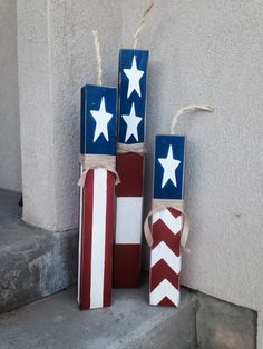 Did you ever think that I would post crafts again! It& hard to get back into crafting after taking 3 months off! Fourth Of July Decor, 4th Of July Decorations, 4th Of July Party, July 4th, Patriotic Crafts, July Crafts, Summer Crafts, Holiday Crafts, Holiday Ideas