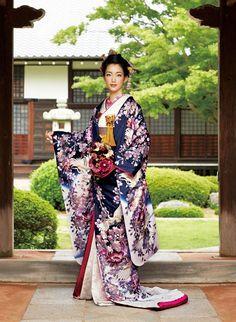 Japanese kimono for wedding Furisode Kimono, Kimono Dress, Yukata, Traditional Kimono, Traditional Dresses, Traditional Japanese, Japanese Outfits, Japanese Fashion, Japanese Geisha