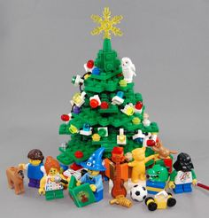 lego christmas - oh my goodness!!! If we could build this, Aubrey would freak out!!!!!!! Maybe I can find some of the pieces and we could make a smaller version of it..........
