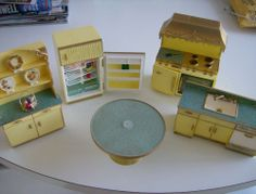 Ideal Petite Princess Dollhouse Kitchen Set