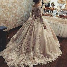 #gelin #gelinlik #gelinlikler #gelinlikmodelleri #weddedwonderland #russia #kına #nişan #bride #bridal #bridaldress #wedding…