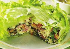 """A Salada em camadas tem alface, rúcula, queijo e presunto. <a href=""""/culinaria/receitas/salada-camadas-495240.shtml"""" target=""""_blank"""">Veja a receita completa</a"""