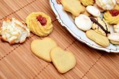Free stock photo of sweet, cookies, christmas, baking Making Peanut Butter, Peanut Butter Cookies, No Bake Cookies, Cookies Et Biscuits, Sweet Cookies, Sin Gluten, Tapas, How To Read A Recipe, Light In