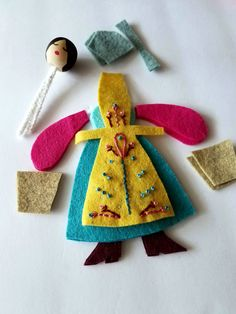 feeling stitchy: 12 Months of Christmas: Maid-a-milking – Toys Ideas Doll Crafts, Sewing Crafts, Felt Christmas Ornaments, Christmas Fabric, Beaded Ornaments, Snowman Ornaments, Christmas Christmas, Glass Ornaments, Felt Embroidery