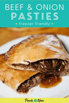 These Beef & Onion Pasties are so good that you won't believe you can enjoy them on the slimming friendly diet plan like Weight Watchers! Slimming World Beef, Slimming World Dinners, Slimming World Recipes, Beef Dishes, Food Dishes, Cheese And Onion Pasty, Clean Eating Recipes, Healthy Recipes, Barbecue Recipes