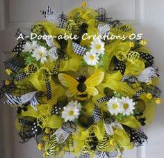 BEEutiful Deco Mesh Wreath