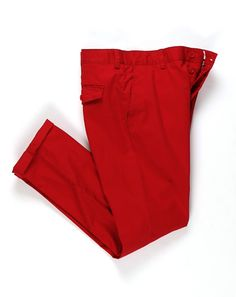 Seeing Red: The Pop Color Pants You Need Now GQ: Red is the color that should be making an appearance south of your waistline this spring. Here are our favorites this very moment. Red Pants Men, Men's Pants, Vintage Fashion 1950s, Victorian Fashion, Turtleneck Shirt, Colored Pants, How To Wear Scarves, Slim Fit Pants, Well Dressed Men