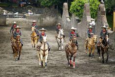 """The """"Escaramuza"""", the women's competition"""