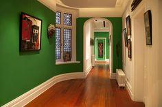 Corredores, halls e escadas modernas por Interior Desires