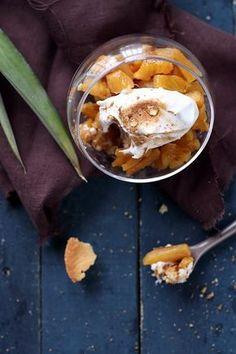 Verrines d'ananas aux palets bretons et meringues à la cannelle