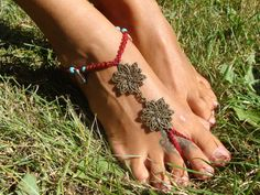 Red Barefoot Sandal Macrame knotted turquoise by AkashasCreations, €13.00