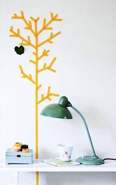 arvore decorativa com washi tape amarela