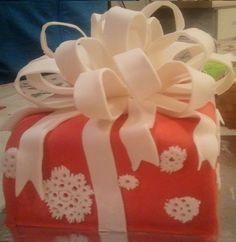 Samen met Dochter Wendy een workshop vierkante kerstaart maken, dit is haar creatie.