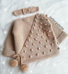 Best 11 How to make a Knitted Kimono Baby Jacket – Free knitting Pattern & tutorial – SkillOfKing. Baby Cardigan Knitting Pattern, Knitted Baby Cardigan, Knitted Baby Clothes, Easy Knitting Patterns, Knitting For Kids, Baby Patterns, Baby Knitting, Free Knitting, Baby Boy Sweater