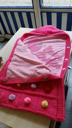 bebek battaniyesi nasıl örülür, bebek battaniyesi örneği, örgü bebek battaniyesi , ponponlu bebek battaniyesi , nasıl örülür (1)