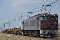 春の柔らかな光線を浴びながら早朝の信越本線を行く。 4月18日から19日にかけて、八王子~長野~豊野間にて工事用臨時列車が運転された。編成はレール積載のチキ6輌で、牽引は高崎車両センター高崎支所所属のEF64 37が全区間充当された。 /信越本線 三才―豊野 26.04.19 Baba Takeshi.jpg