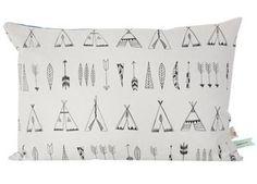 'Native' kussen met knalblauwe achterkant Ferm Living | kinderen-shop Kleine Zebra