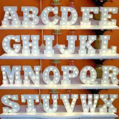 AZ & לילה אורות LED מכתב האלפבית סימן עץ לבן עיצוב שולחן אורות פנימי וול קרפט לחתונה מסיבת יום הולדת XHH8134