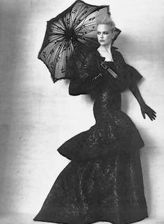 Nicole Kidman by Annie Leibovitz - Vogue Sep 2013.