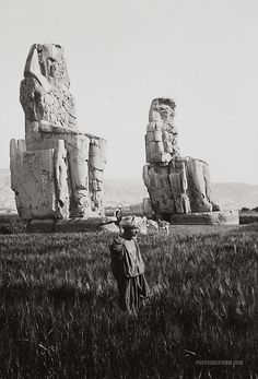 Colossi of Memnon. Thebes, Egypt. 1900-1920. (Source)