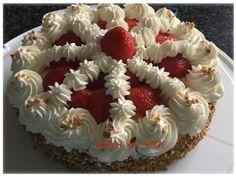 Koken en Kitch: Slagroomtaart met aardbeien en bresilienne