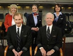 Captain Chesley 'Sully' Sullenberger and his crew Us History, American History, Courageous People, Us Airways, Emergency Water, Flight Deck, Great Life, Hudson River, Planes
