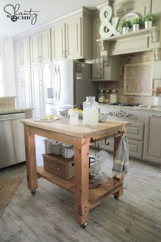 DIY Mobile Kitchen Island! Love the rustic look! FREE plans & tutorial