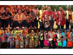 ▶ Ladysmith Black Mambazo & Soweto Gospel Choir - YouTube