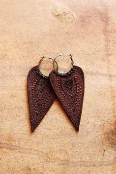 ethic india leather earrings. via etsy.