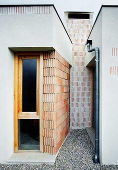 Aulets Architecture, José Hevia · House in Bunyola Detail Architecture, Brick Architecture, Contemporary Architecture, Interior Architecture, Interior And Exterior, Brick Design, Patio Design, Architectural Technologist, Brick Detail