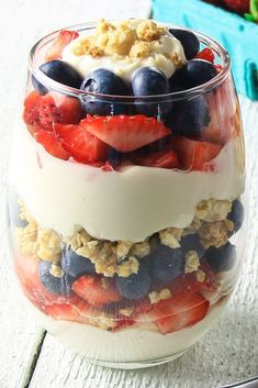 Parfait Desserts, Parfait Recipes, Snack Recipes, Fruit Parfait, Brunch Recipes, Crockpot Recipes, High Protein Vegetarian Recipes, Dinner Recipes, Thm Recipes