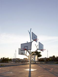 »Basket Tree« by a/LTA architects France    // more: www.urbanshit.de
