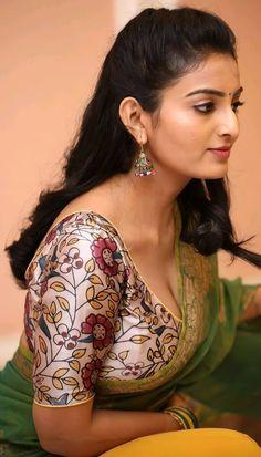 Beautiful Blonde Girl, Beautiful Girl Photo, Beautiful Girl Indian, Most Beautiful Indian Actress, Beautiful Roses, Cute Beauty, Beauty Full Girl, Beauty Women, Beautiful Bollywood Actress