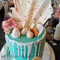 Ganache drip cake  #cakedecorating #cake #malberrycakes #dripcakesofinstagram #drip #ganache #chocolate Chocolate, Cake, Desserts, Food, Tailgate Desserts, Deserts, Kuchen, Essen, Chocolates