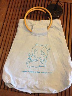Bolso pintado a mano www.cuandoeldiablonotienenadaquehacer.com
