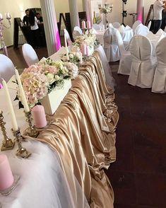 "Fleur Antiva auf Instagram: ""Antonela & Edgar 👰🏽♥️🤵🏽 #weddingtabla #decoration #details #weddingdecoration #inspo #weddinginspiration #love #glamourous #gold #pink…"" Wedding Decorations, Table Decorations, Wedding Flowers, Wedding Inspiration, Glamour, Pink, Gold, Instagram, Home Decor"