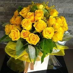 Sunbury Florist who delivers beautiful flowers to Sunbury and other areas such as Shepperton, Walton and Weybridge. Yellow Rose Bouquet, Yellow Bouquets, Yellow Flowers, Beautiful Rose Flowers, Unusual Flowers, Happy Flowers, Flower Box Gift, Flower Boxes, Flower Centerpieces