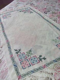 Bohemian Rug, Alphabet, Cross Stitch, Cross Stitch Embroidery, Hardanger, Punto De Cruz, Alpha Bet, Seed Stitch, Cross Stitches