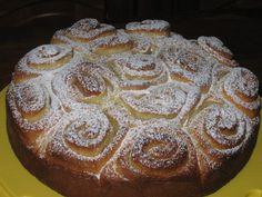 Se cercate la torta delle rose ricetta originale, non potete sbagliare! La ricetta della torta più soffice e burrosa che ci sia aspetta solo di essere realizzata!