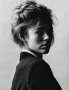 Black & White Photography Inspiration : Alcohol you later Photo Portrait, Female Portrait, Portrait Photography, Photography Ideas, Portrait Inspiration, Hair Inspiration, Pretty People, Beautiful People, Crazy People