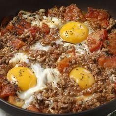 Αυγά μάτια σε σάλτσα μπολονέζ