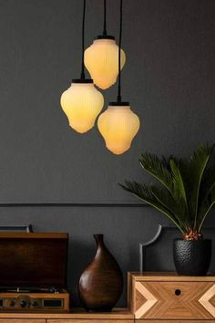 New opaque glass pendant lighting Ideas Kitchen Chandelier, Black Chandelier, Kitchen Pendant Lighting, Glass Pendant Light, Glass Pendants, Facade Lighting, Art Deco Lighting, Drop Lights, Art Deco Glass