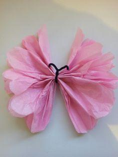 Cómo hacer mariposas con papel de seda Tissue Paper Flowers, Paper Butterflies, Butterfly Flowers, Butterfly Design, Diy Flowers, Papel Tissue, Beautiful Butterflies, Butterfly Theme Party, Butterfly Decorations