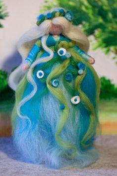 wool fairy, Fee aus Märchenwolle, fairy, felt, wool, craft, jahreszeitentisch, märchenwolle, waldorf https://www.facebook.com/Colorspell