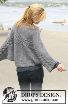 "DROPS 125-29 - DROPS jacket with cables knitted from side to side in 2 strands ""Alpaca"". Size S - XXXL."