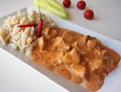 Paprikáš s haluškami Czech Recipes, Old Recipes, Goulash, Stew, Crockpot, Food And Drink, Yummy Food, Lunch, Snacks