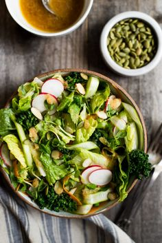 Easy Spring Salad with Lemongrass Vinaigrette - perfect light and tangy appetizer! Big Salad, Soup And Salad, Healthy Salad Recipes, Vegetarian Recipes, Delicious Recipes, Sauces, Spring Salad, Broccoli Salad, Asparagus