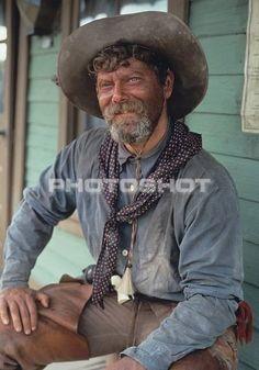 Stephen as Ike Clanton in Tombstone Tombstone Movie Quotes, Tombstone 1993, Stephen Lang, Hero Movie, Movie Stars, Movie Tv, Movie Costumes, Halloween Costumes, Western Holsters